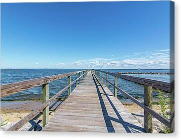 Canvas Print featuring the photograph Pier At Highland Beach by Charles Kraus