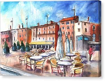 Place Du Vigan In Albi Canvas Print by Miki De Goodaboom