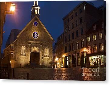 Place Royale And Notre-dame-des-victoires Church At A Rainy Evening Canvas Print by Hideaki Sakurai