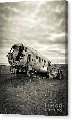 Canvas Print featuring the photograph Plane Crash Iceland by Edward Fielding