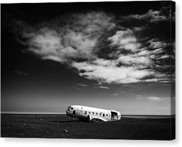 Canvas Print featuring the photograph Plane Wreck Black And White Iceland by Matthias Hauser