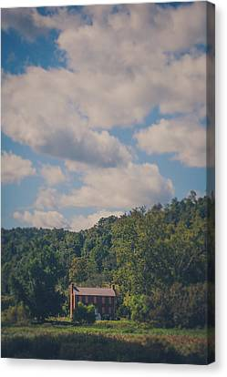 Canvas Print featuring the photograph Plantation House by Shane Holsclaw