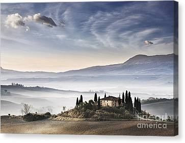 Podere Belvedere 3 Canvas Print by Rod McLean
