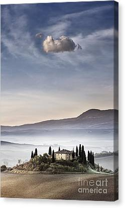Podere Belvedere 4 Canvas Print by Rod McLean