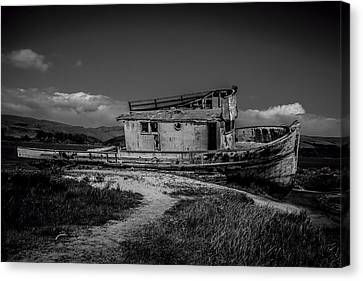 Point Reyes Black And White Canvas Print by Garry Gay