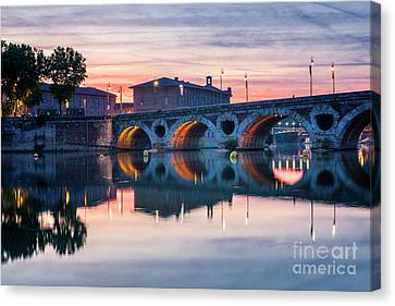 Canvas Print featuring the photograph Pont Neuf In Toulouse At Sunset by Elena Elisseeva