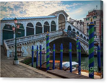 Ponte Rialto Dawn Canvas Print