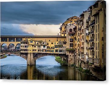 Ponte Vecchio E Gabbiani Canvas Print