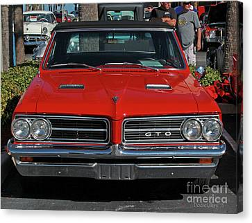 Canvas Print featuring the photograph Pontiac Gto by Dodie Ulery