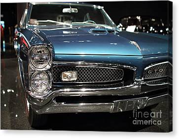 Canvas Print featuring the photograph Pontiac Gto by Wingsdomain Art and Photography