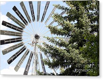Canvas Print featuring the photograph Prairie Windmill by Wilko Van de Kamp