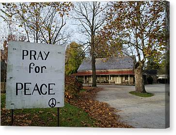 Pray For Peace - Plymouth Meeting Freinds Canvas Print by Bill Cannon