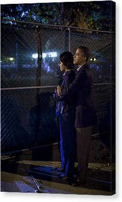 President Obama Embraces Michelle Canvas Print by Everett