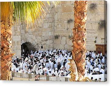 Canvas Print featuring the photograph Prayer Of Shaharit At The Kotel During Sukkot Festival by Yoel Koskas