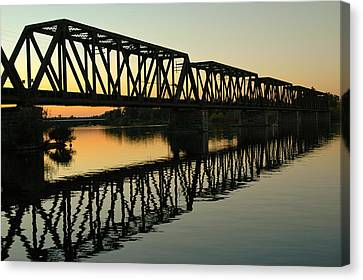 Rights Managed Images Canvas Print - Prince Of Wales Bridge At Sunset. by Rob Huntley