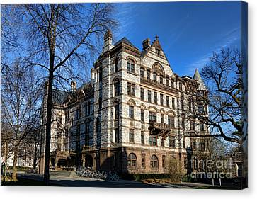 Princeton University Witherspoon Hall  Canvas Print by Olivier Le Queinec