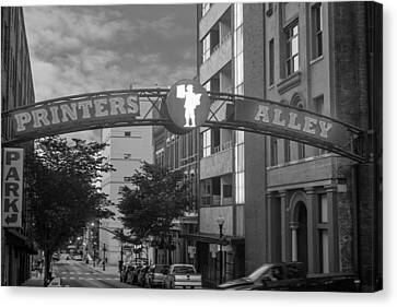 Canvas Print featuring the photograph Printers Alley by Robert Hebert