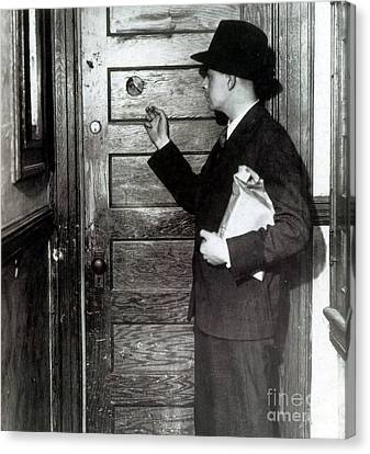 Prohibition, Speakeasy Peephole, 1930s Canvas Print by Science Source