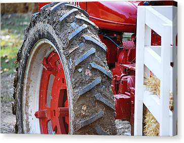 Pulling For The Farm Canvas Print by Peter  McIntosh