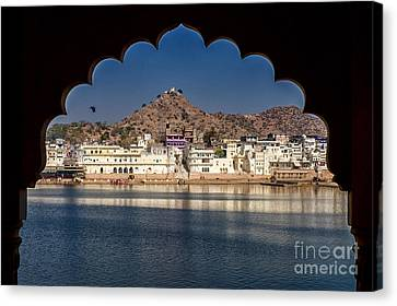 Canvas Print featuring the photograph Pushkar Lake by Yew Kwang