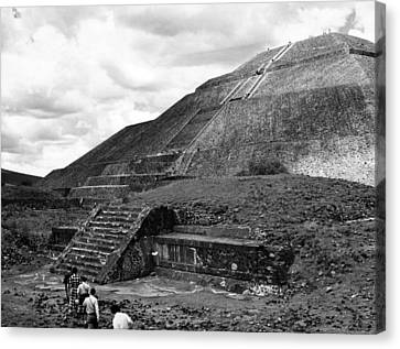 Pyramid Of The Sun, In The Pre-aztec Canvas Print by Everett