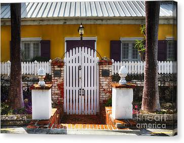 Quaint Colonial House In Charlotte Amalie Canvas Print by George Oze