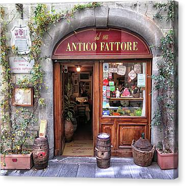 Quaint Restaurant In Florence Canvas Print by Dave Mills