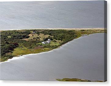 Quaise Pasture Road Nantucket Island Canvas Print by Duncan Pearson