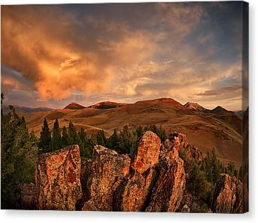 Quartzite Formations Canvas Print by Leland D Howard