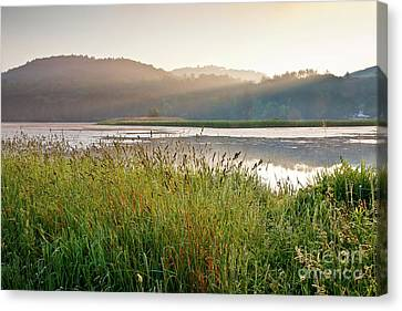Canvas Print featuring the photograph Quechee Sunrise by Susan Cole Kelly