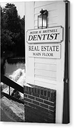 Quechee, Vermont - Falls Storefront 2006 Bw Canvas Print by Frank Romeo