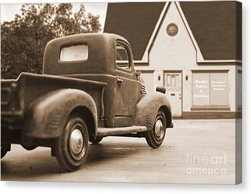 Old Trucks Canvas Print - Radio Sales And Service by Edward Fielding