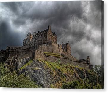 Rain Clouds Over Edinburgh Castle Canvas Print by Amanda Finan