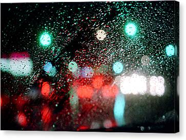 Rainy Day In The City Canvas Print