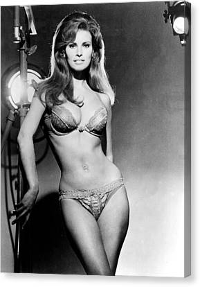 Raquel Welch, Portrait From The Film Canvas Print by Everett