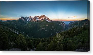 Rays Of Light Over Timpanogos Canvas Print
