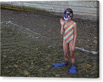 Ready To Snorkel Canvas Print by Frank Howie