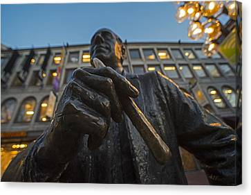 Red Auerbach Chilling At Fanueil Hall Canvas Print