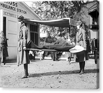 Red Cross Influenza Nurses Canvas Print by Underwood Archives