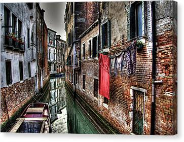 Red In Venice  Canvas Print by Andrea Barbieri
