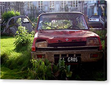 Red Renault Canvas Print by Jez C Self