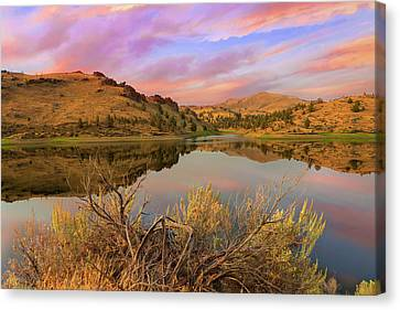 Canvas Print - Reflection Of Scenic High Desert Landscape In Central Oregon by David Gn