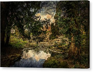 Canvas Print featuring the photograph Reflection by Ryan Photography