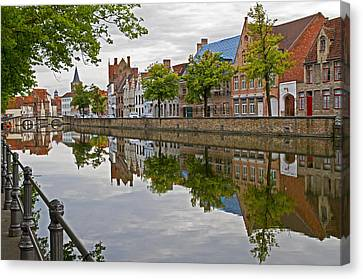 Reflections Of Brugge Canvas Print
