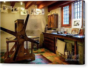 Canvas Print featuring the photograph Rembrandt's Former Graphic Workshop In Amsterdam by RicardMN Photography