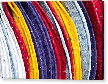 Repeating Rims Canvas Print by Walter Beck