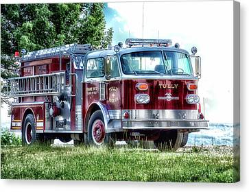 Retired Fire Truck  Engine 13 Village Of Tully New York Canvas Print by Thomas Woolworth