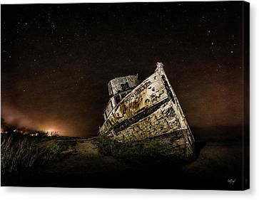 Canvas Print featuring the photograph Reyes Shipwreck by Everet Regal