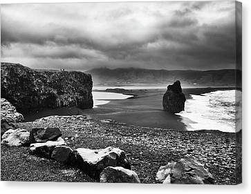 Canvas Print featuring the photograph Reynisfjara by Wade Courtney