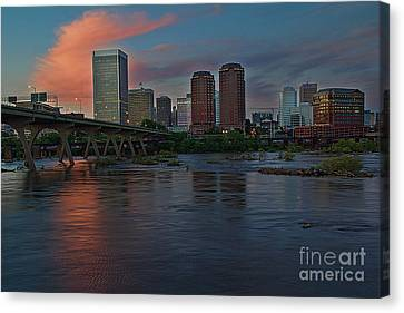 Canvas Print featuring the photograph Richmond Dusk Skyline by Jemmy Archer